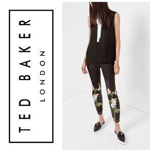 Ted Baker Black Cropped Floral Print Pants Size 2